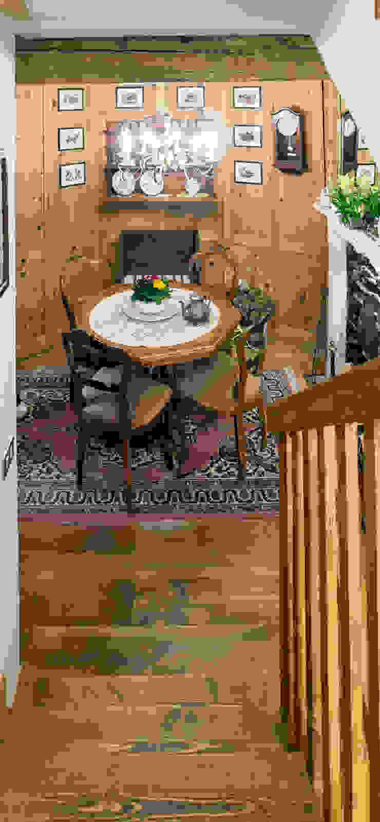 L'Antica s.a.s. Pasillos, vestíbulos y escaleras de estilo moderno