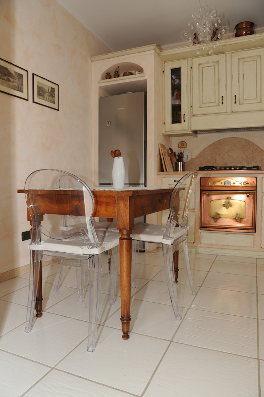 Modern kitchen by L'Antica s.a.s. Modern