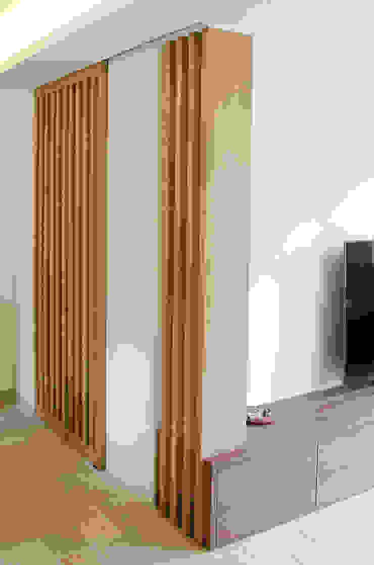 Claustra et porte coulissante par Kauri Architecture