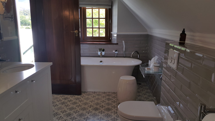 Steenberg Bathrooms Classic style bathroom by Nailed it Projects Classic