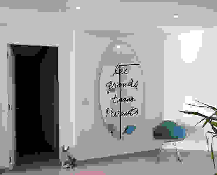 Ingresso Ingresso, Corridoio & Scale in stile minimalista di Giacomo Accordi Minimalista