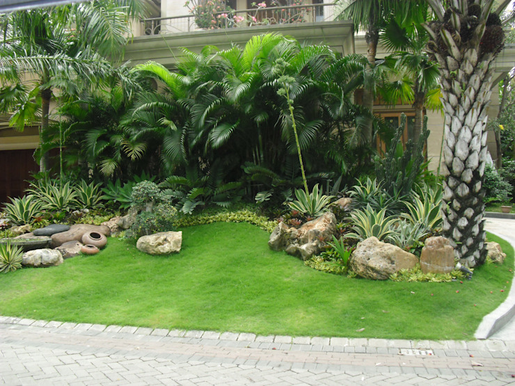 Jardin classique par NISCALA GARDEN | Tukang Taman Surabaya Classique