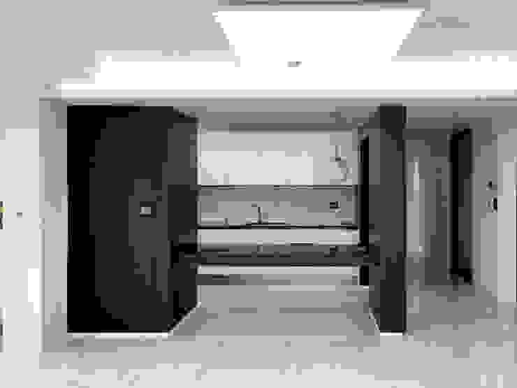 자양 한화꿈에그린 / 33평형 아파트 인테리어 모던스타일 거실 by 오락디자인 모던 금속