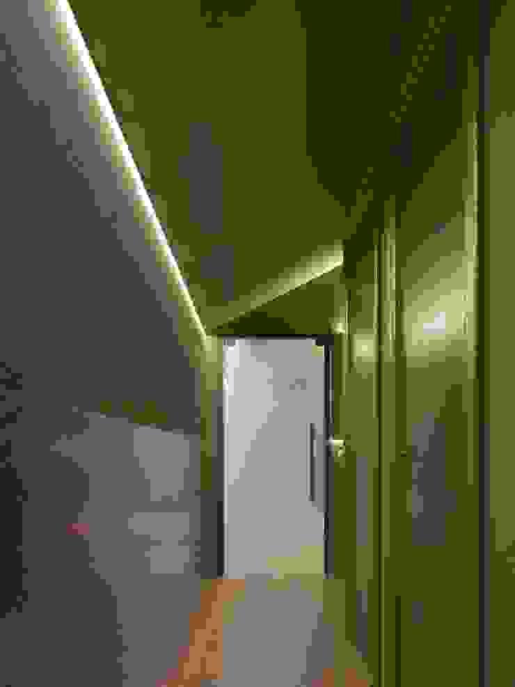 Gastronomie moderne par Zikzak architects Moderne