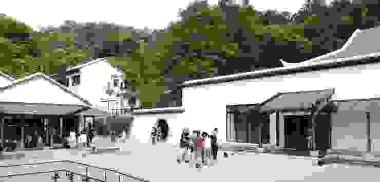 更新後館舍彩度降低,對比園區生態自然色彩 根據 薛晉屏建築師事務所