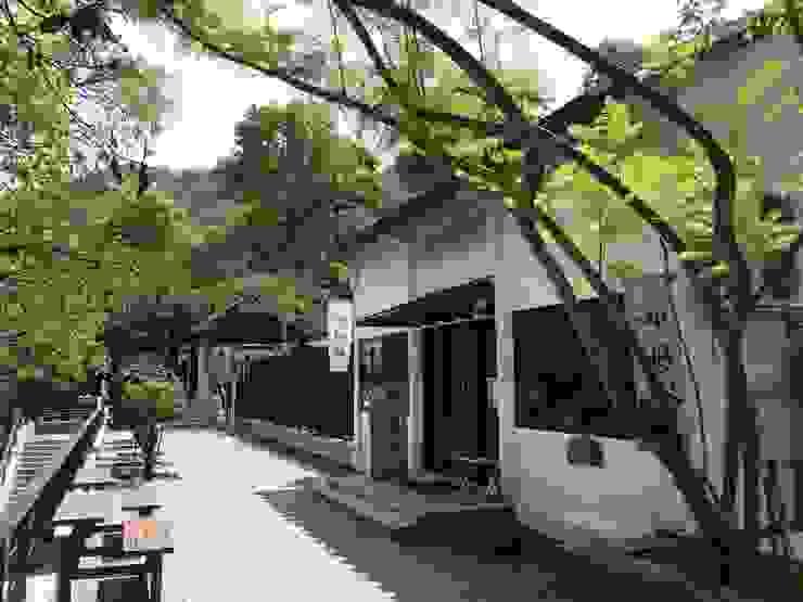 入口店鋪茶亭戶外空間 根據 薛晉屏建築師事務所