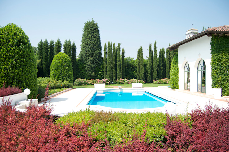 Classic style garden by Vivai Toffoli Classic