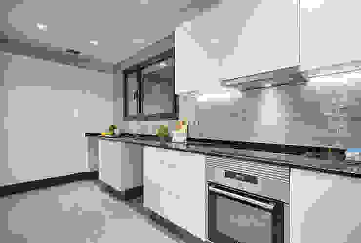 Kitchen من Markham Stagers حداثي