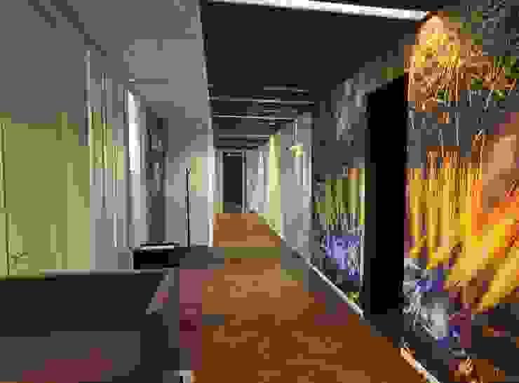 Gang kantoor Moderne kantoor- & winkelruimten van Bobarchitectuur Modern Hout Hout