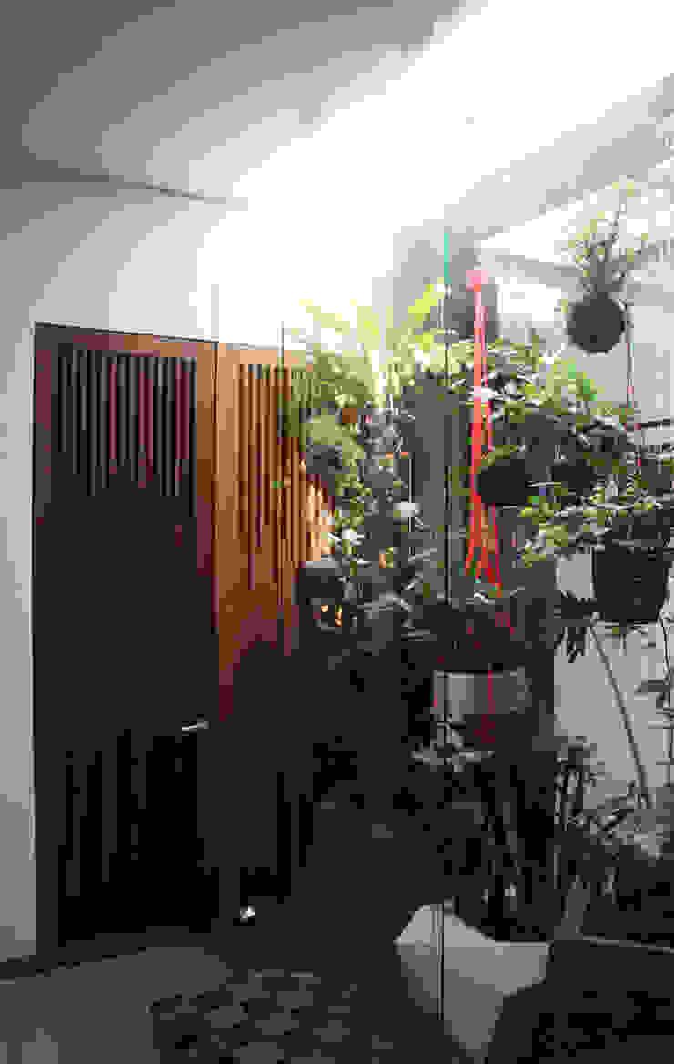 Remodelación Apartamento Echeverry Baños de estilo moderno de Contrafuerte Moderno