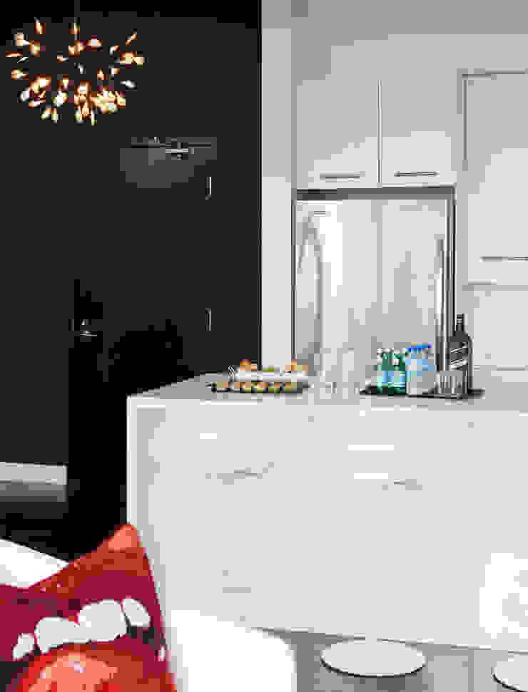 Douglas Design Studio ห้องครัวโต๊ะและเก้าอี้ White