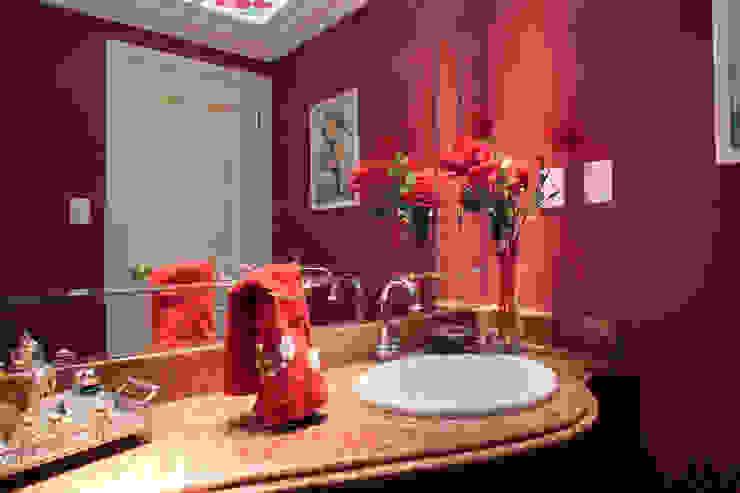CASA E.L Eustáquio Leite Arquitetura Banheiros clássicos