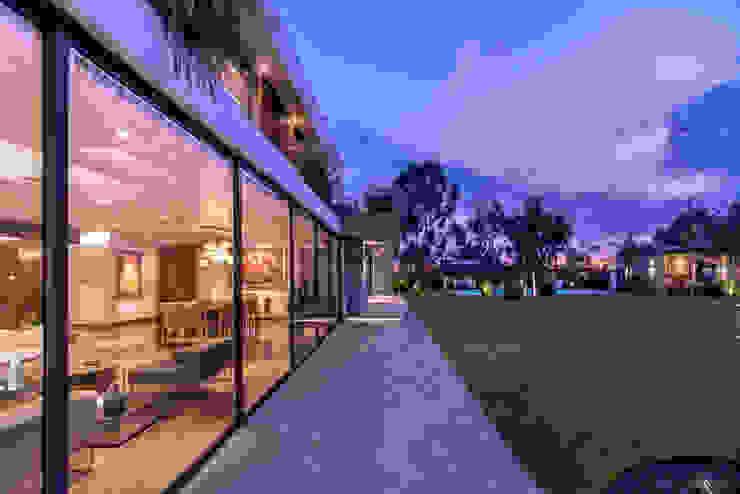 EXTERIOR CASA Casas modernas: Ideas, diseños y decoración de DMS Arquitectas Moderno