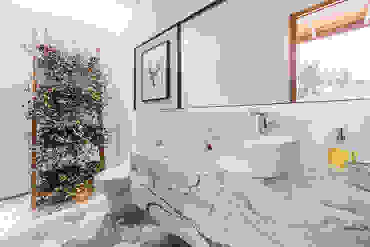 Bathroom by DMS Arquitectas