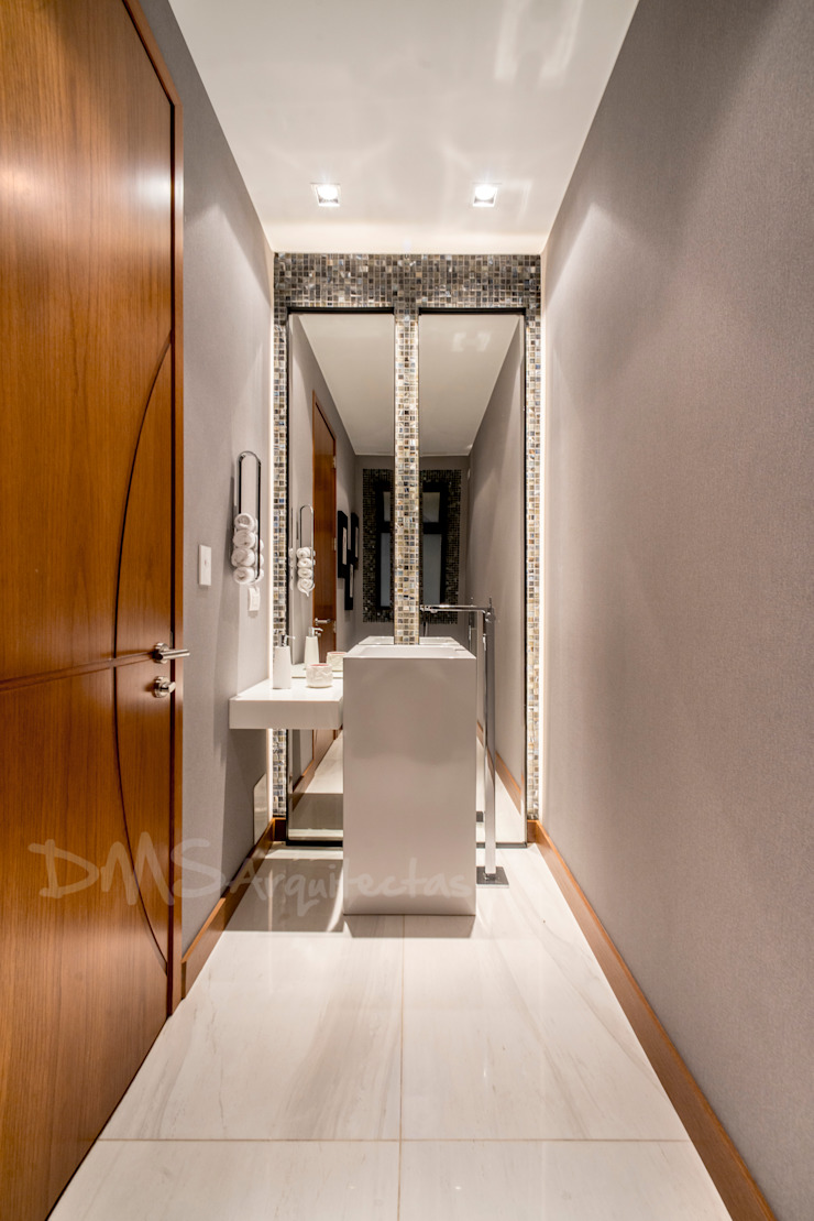 BAÑO VISITAS Baños modernos de DMS Arquitectas Moderno
