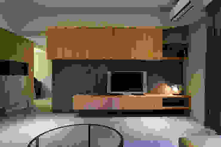客廳電視牆 根據 果仁室內裝修設計有限公司 北歐風