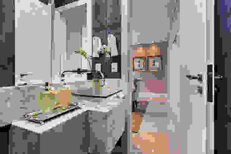 Flávia Kloss Arquitetura de Interiores Classic style bathroom Stone Blue
