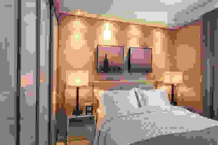 Klassieke slaapkamers van Flávia Kloss Arquitetura de Interiores Klassiek MDF
