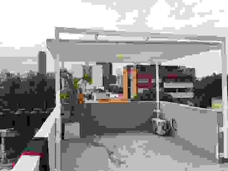Balcones y terrazas modernos de Materia Viva S.A. de C.V. Moderno