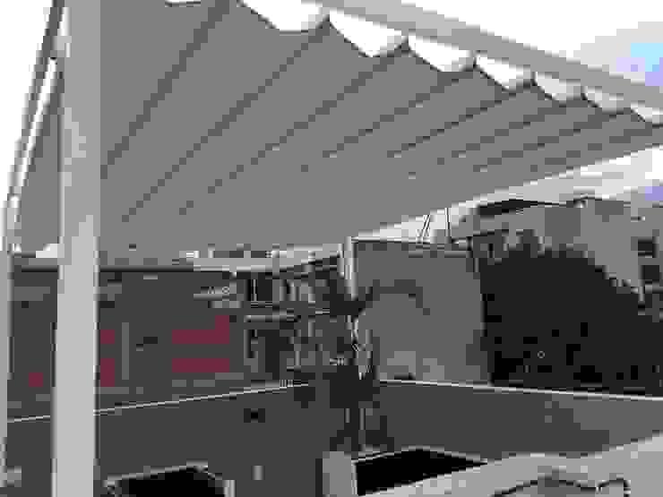Modern balcony, veranda & terrace by Materia Viva S.A. de C.V. Modern