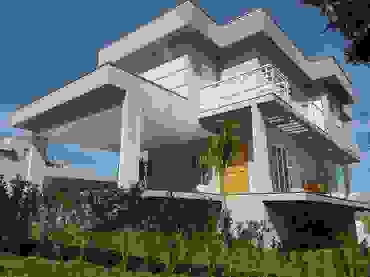 現代房屋設計點子、靈感 & 圖片 根據 Barbara Oriani Arquiteta 現代風 水泥