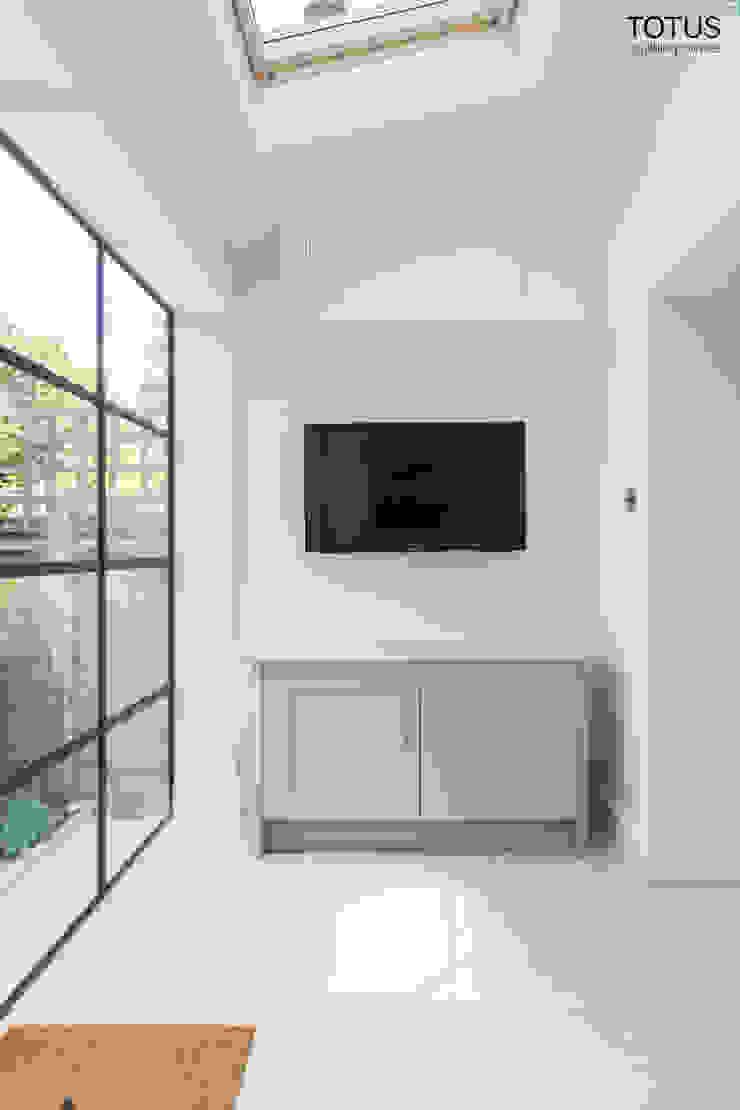 Extension, Clapham SW11 Modern Kitchen by TOTUS Modern