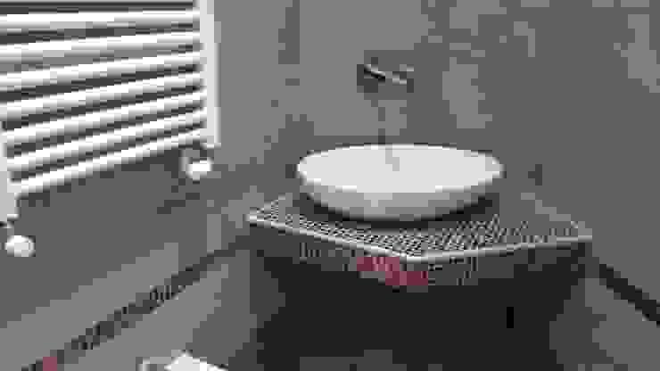 Baños de estilo moderno de HAPPY HABITAT - Sabrina Aureli Moderno