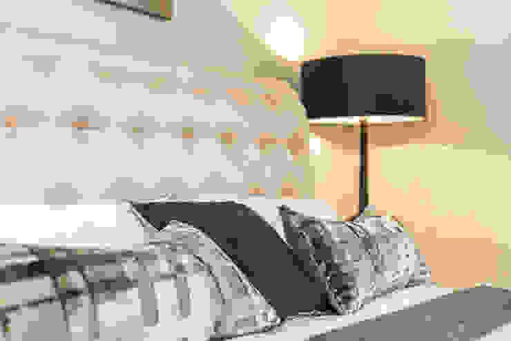 Sandbanks apartment:  Bedroom by SMB Interior Design Ltd,