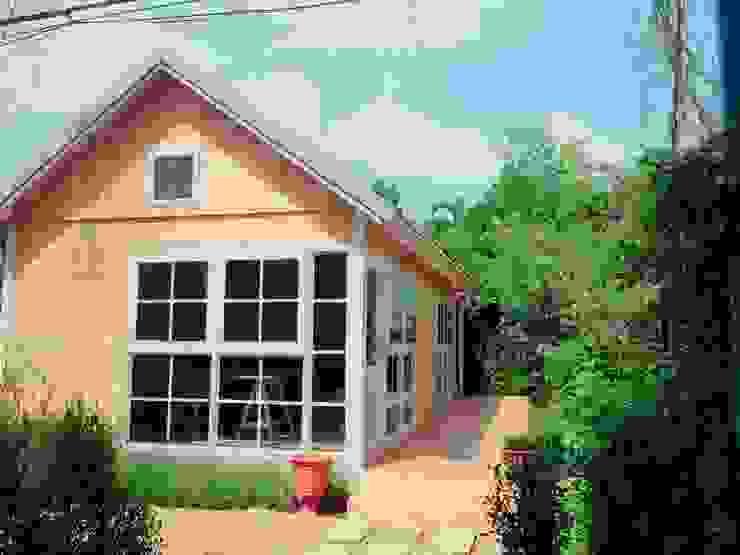 Rustic style house by ห้างหุ้นส่วนจำกัด พอสซิเบิล ดีไซน์ Rustic Wood Wood effect
