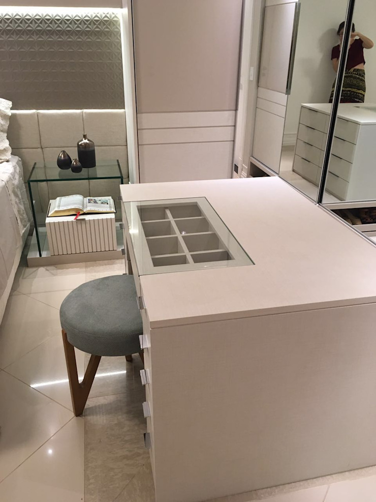 NW Arquitetura Modern style dressing rooms