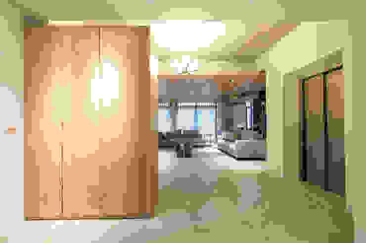 開放玄關 根據 果仁室內裝修設計有限公司 簡約風