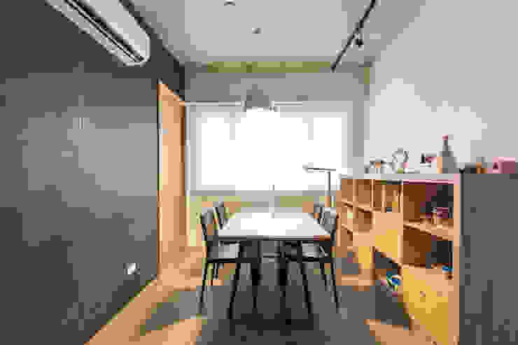 閱覽空間 根據 果仁室內裝修設計有限公司 簡約風