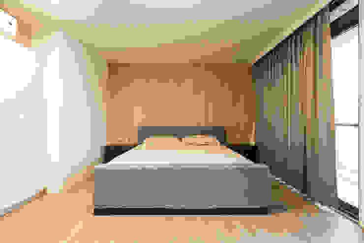 Habitaciones de estilo minimalista de 果仁室內裝修設計有限公司 Minimalista