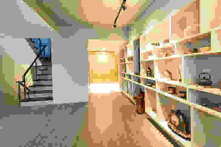 展示走廊 根據 果仁室內裝修設計有限公司 簡約風