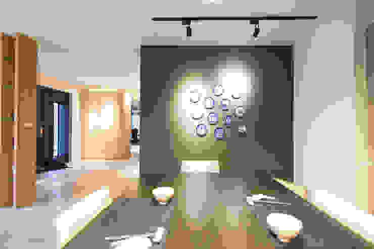 餐廳主牆面 根據 果仁室內裝修設計有限公司 簡約風