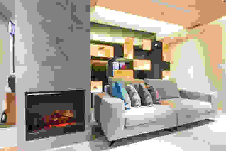 崁入式電壁爐 根據 果仁室內裝修設計有限公司 簡約風