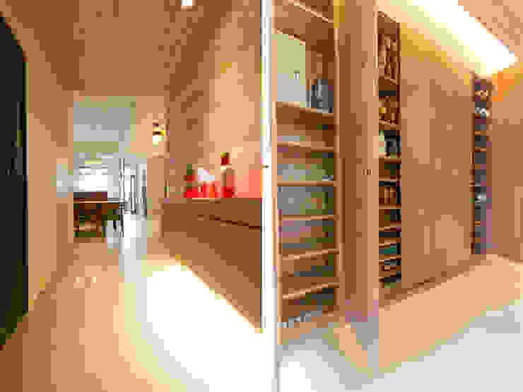 Pasillos, vestíbulos y escaleras de estilo minimalista de 果仁室內裝修設計有限公司 Minimalista