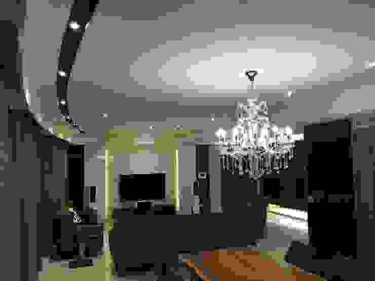 沉穩大器 將預算徹底發揮 70坪精品豪宅 现代客厅設計點子、靈感 & 圖片 根據 捷士空間設計(省錢裝潢) 現代風