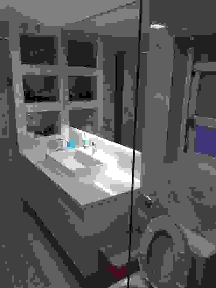 飯店式衛浴設備 小預算大裝修 現代浴室設計點子、靈感&圖片 根據 捷士空間設計(省錢裝潢) 現代風