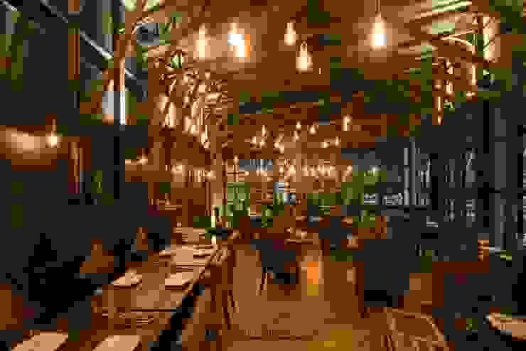 Galley Restaurant โดย klickken