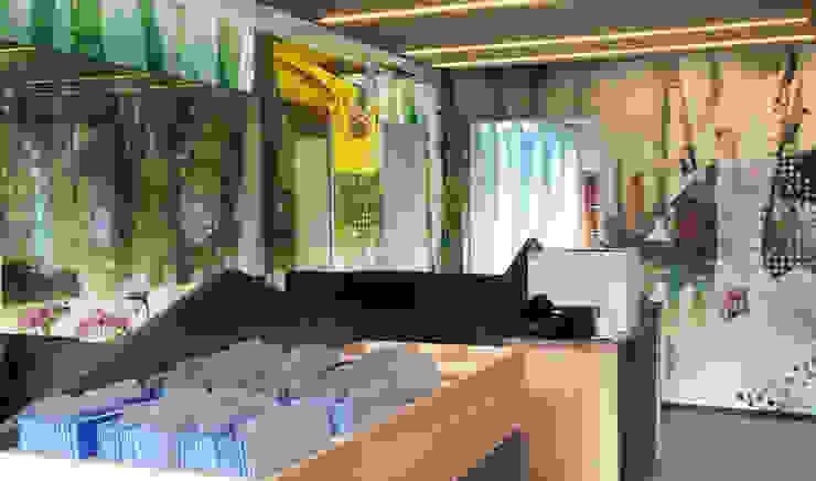 Receptie Ter Spegelt Moderne kantoor- & winkelruimten van INinterieurs Modern