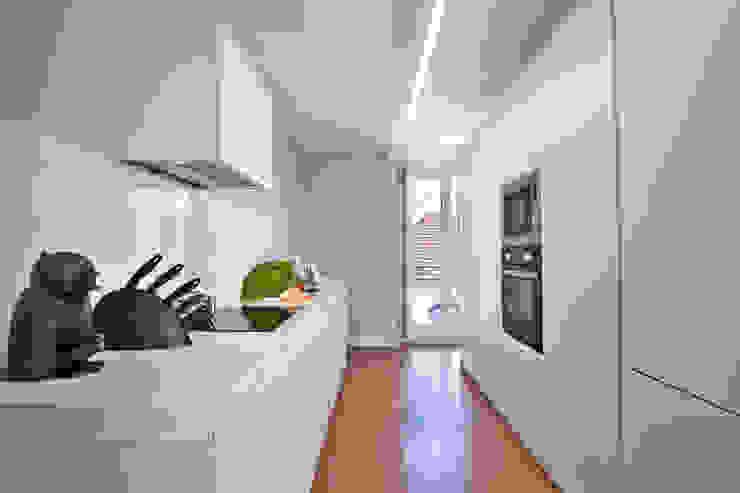 modern  by Pureza Magalhães, Arquitectura e Design de Interiores, Modern