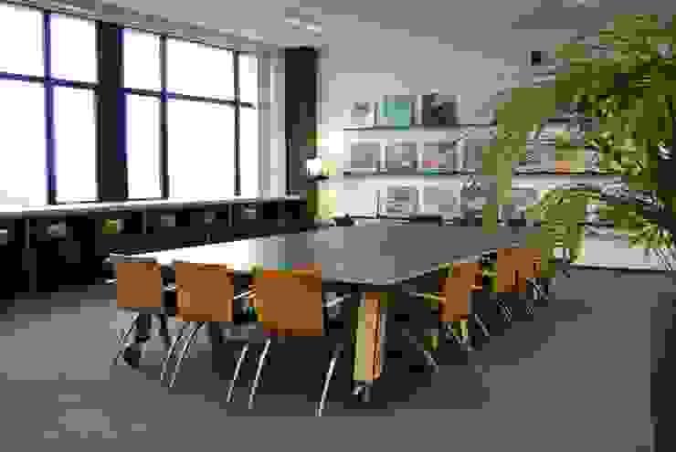 Kantoor Park Strijp beheer Moderne kantoorgebouwen van INinterieurs Modern