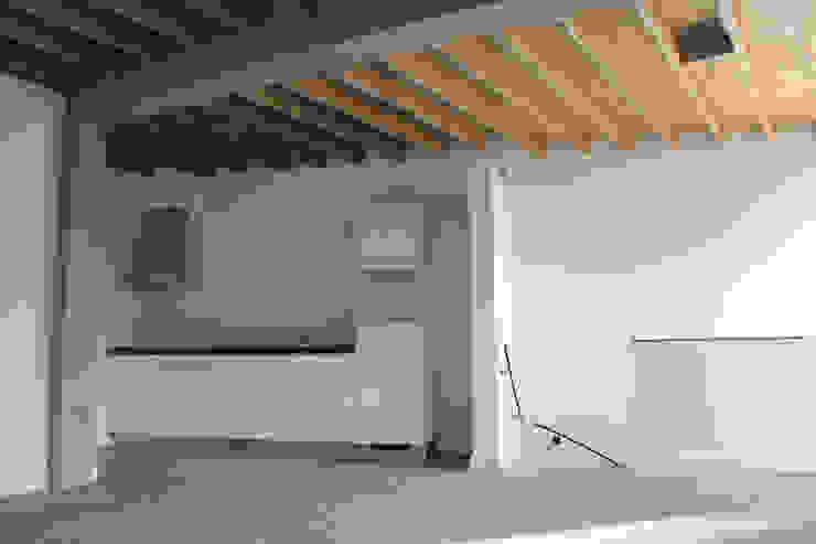 Grote open keuken/woonkamer van Jules Design & Development Industrieel