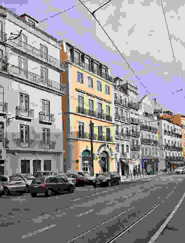 Fachada principal por Pureza Magalhães, Arquitectura e Design de Interiores Clássico
