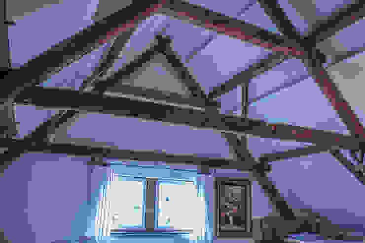 De authentieke houten constructie blijft zichtbaar van Jules Design & Development