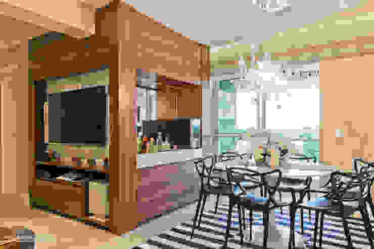 Sala de jantar integrada Salas de jantar modernas por Daniela Morales Arquitetura Moderno Madeira Efeito de madeira
