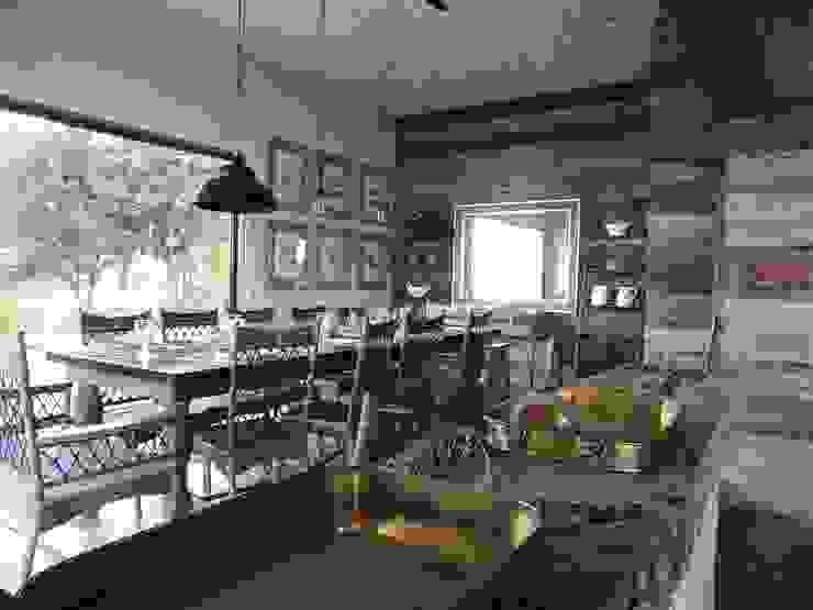 casa Bambach - Vial Comedores de estilo moderno de David y Letelier Estudio de Arquitectura Ltda. Moderno
