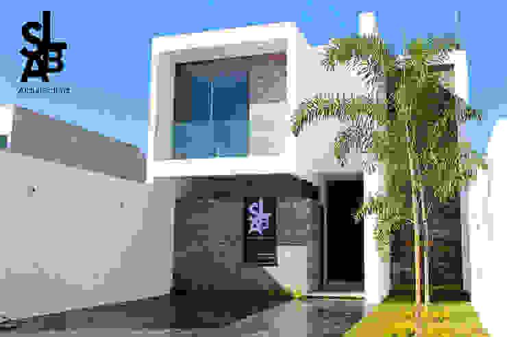 Modern houses by Slab Arquitectos Modern