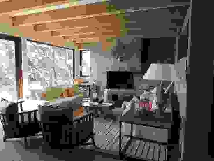 by David y Letelier Estudio de Arquitectura Ltda. Modern